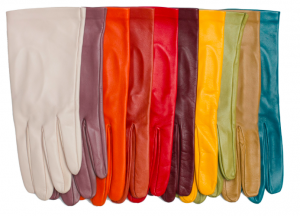 Nina The simplest of gloves with neither pleats nor darts – supple, smooth fit - See more at: http://www.paularowan.com/products-page/womens-gloves/unlined-gloves/nina/#sthash.vUZPsddH.dpuf €59.95